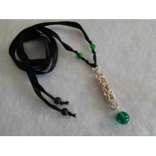 Kaulakoru musta-vihreä